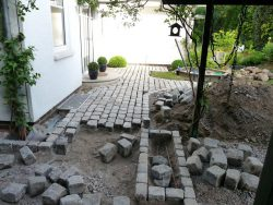 Buntes gebrautes Granitreihenpflaster